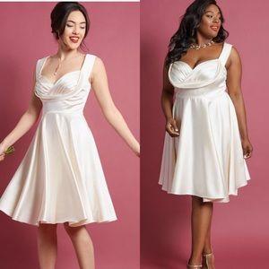 ModCloth Retro Moment A-Line Dress In Cream